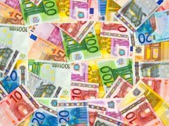 ЦБР повысил официальный курс евро почти до 78 рублей