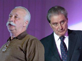 Якубович и Смехов устроили скандал в самолёте из-за туалета