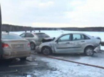 В ДТП под Калугой 15.02.2015 столкнулись 19 машин (ВИДЕО)