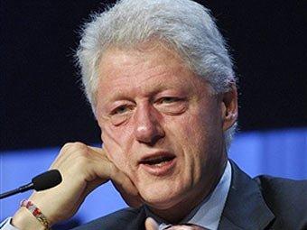 На портрете Билла Клинтона нашли тень платья Моники Левински
