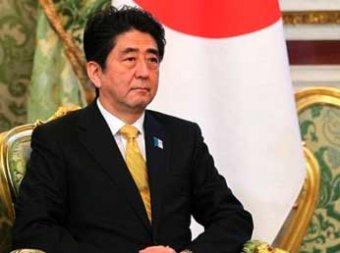Японский премьер не приедет на празднование 70-летия победы в Москве