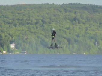 Канадец установил рекорд дальности полета на ховерборде