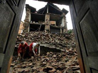 Новое землетрясение в Непале 12 мая 2015: погибли не менее 42 человека (ФОТО, ВИДЕО)