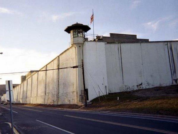 Стали известны подробности побега двух убийц из самой охраняемой тюрьмы в Нью-Йорке