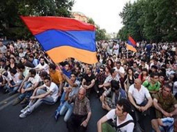 Акция протеста против подорожания электроэнергии в Ереване набирает новую силу
