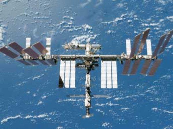 """Нештатная ситуация на МКС: у пристыкованного """"Союза"""" внезапно завелись двигатели"""