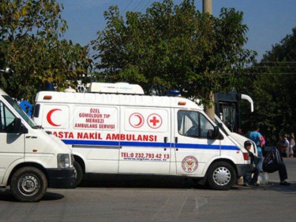 В Турции девочка с Украины три дня жила с умершими от алкоголя родителями