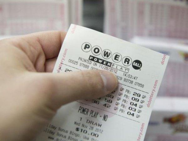 Американский сантехник выиграл в лотерею  млн