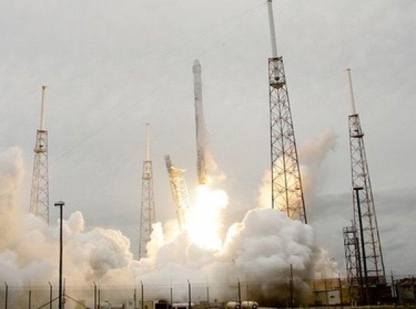 Ракета Falcon 9 взорвалась на третьей минуте после запуска к МКС (видео)