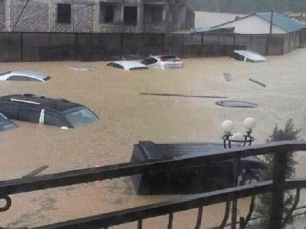 Затопивший 25 июня Сочи ливень идёт на Москву