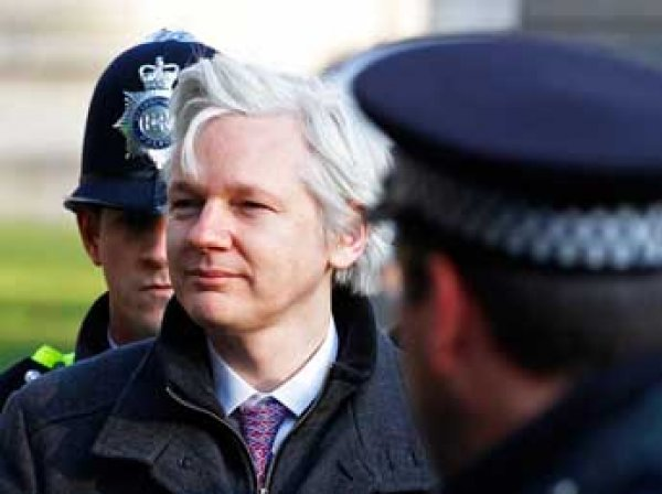 WikiLeaks: президент Франции отказал Ассанжу в политическом убежище
