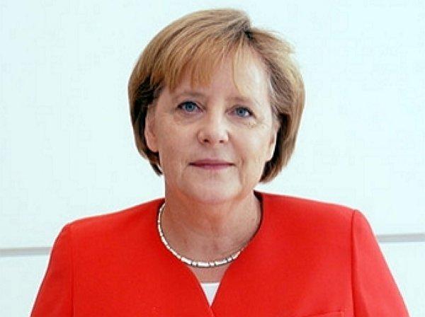 Канцлер Германии довела до слез палестинскую девочку