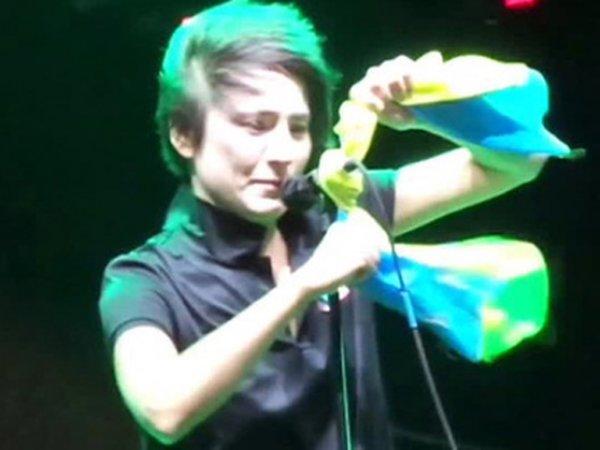 Земфира прокомментировала своё выступление с украинским флагом