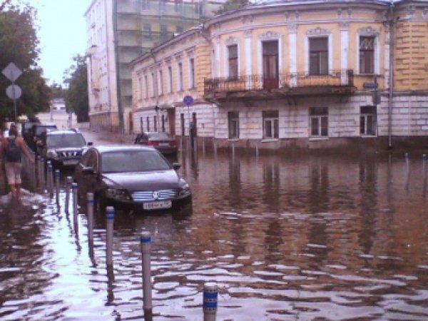 Ливень в Москве 28 июля 2015 спровоцировал восьмибалльные пробки (фото, видео)