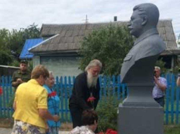 Под Ржевом открыли музей и памятник Сталину, министр Мединский это уже объяснил