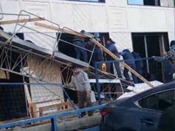 В Уфе со здания сорвалась строительная люлька: погибли четыре строителя