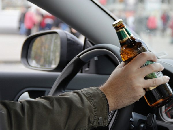 В Омске мужчину лишили водительских прав до 2076 года