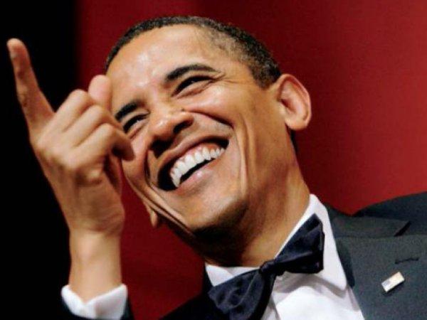 Обама рассмеялся в ответ на вопрос о том, кого бомбят США