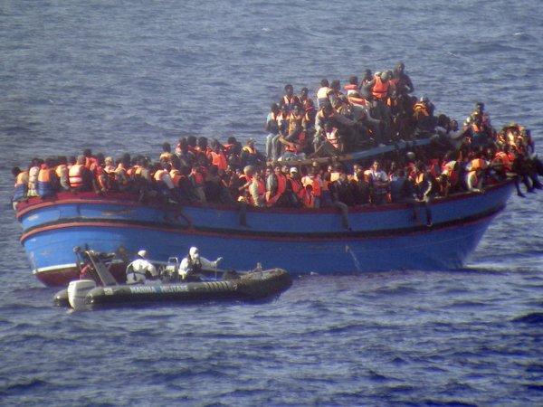У берегов Ливии затонуло судно с мигрантами: погибли не менее 200 человек