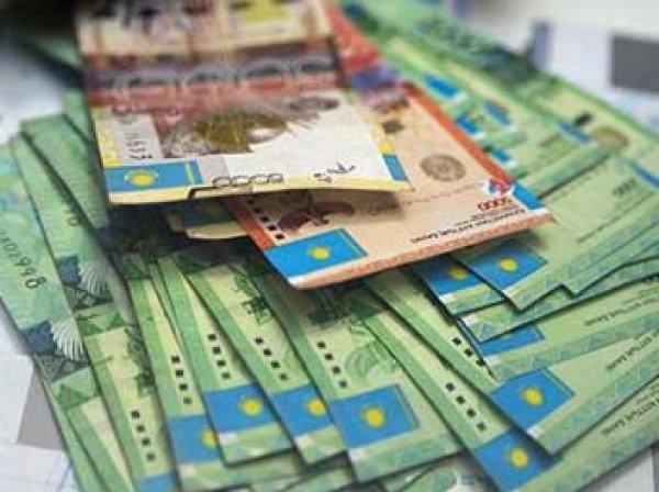 Курс тенге на сегодня, 20 августа 2015: тенге упал к доллару почти на 26%