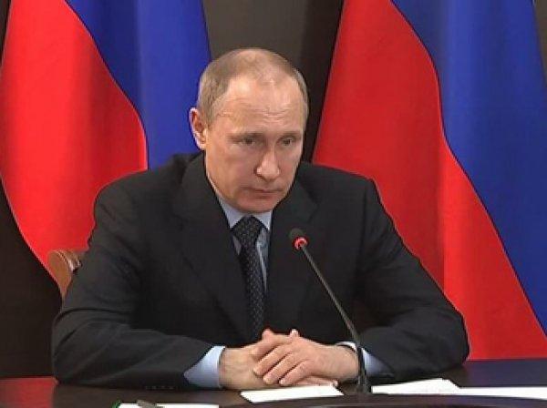 Путин в Крыму 17 августа 2015 предложил ввести безвизовый режим для туристов из БРИКС