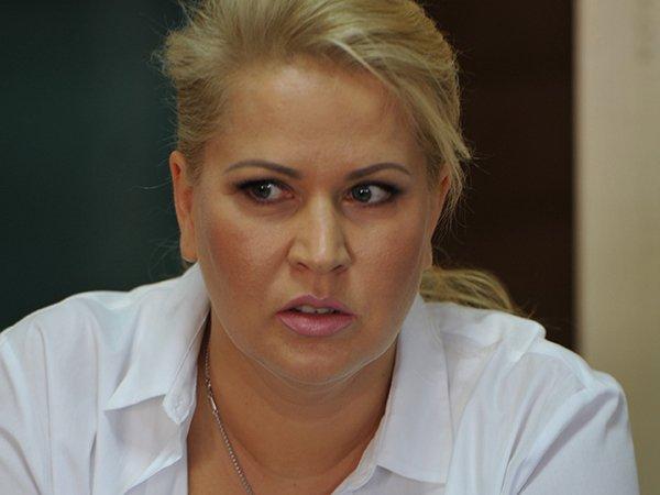Евгению Васильеву определили на работу уборщицей в школу