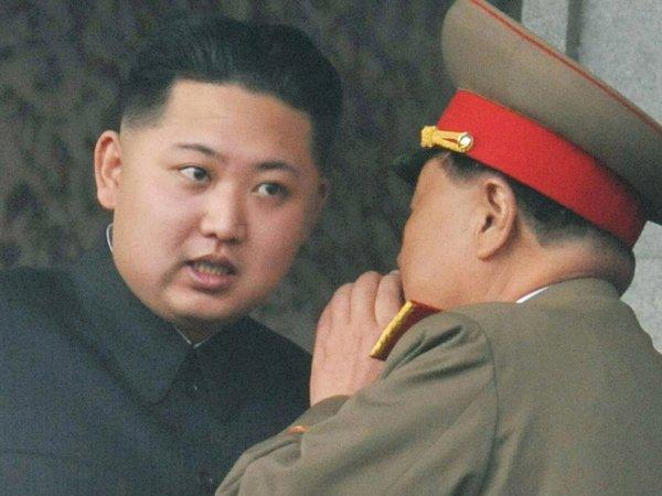 СМИ: в КНДР расстреляли первого вице-премьера страны Чхве Ён Гона