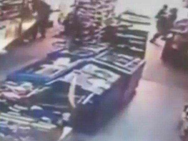 В Сети появилось видео поджога уфимских инкассаторов