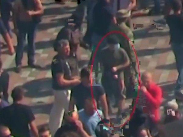 Бросивший гранату у стен Рады в Киеве 31 августа попал на видео