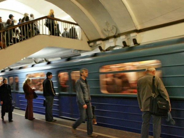 В московском метро пассажиры отбили ребенка у педофила