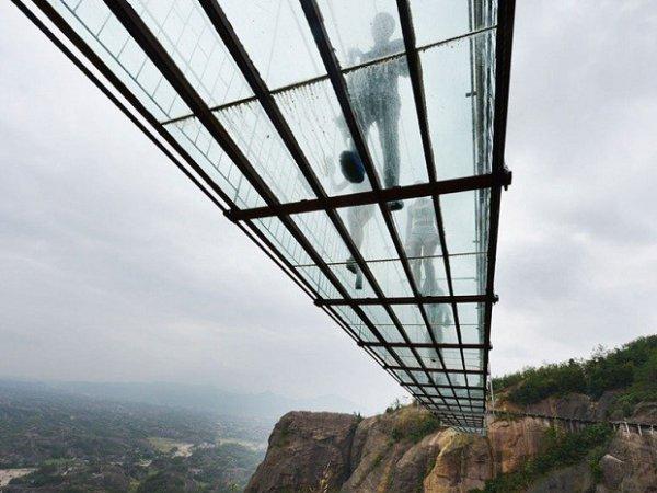 В Китае открыли самый длинный стеклянный мост в мире