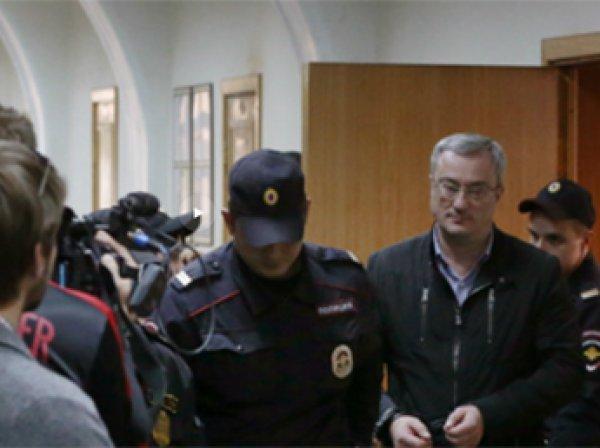 Глава Коми Гайзер арестован. Экс-сенатор Коми дает против него показания