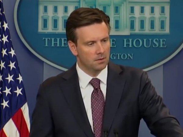 Голосовой помощник Siri ответил на вопрос по Ирану вместо пресс-секретаря Обамы