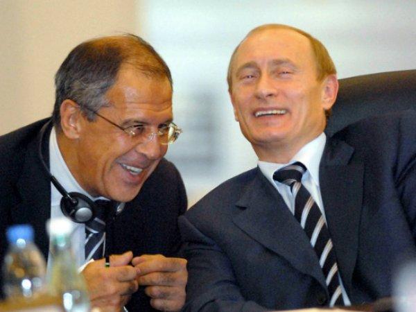 Daily Mail разглядели Путина и Лаврова на картине Репина