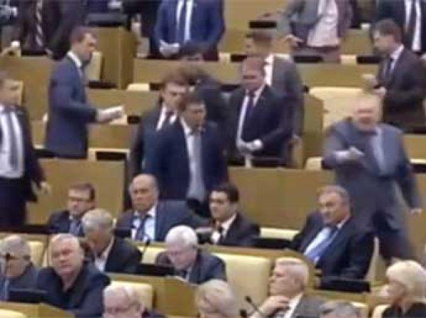 Жириновский оскорбил Роднину и устроил демарш, покинув с членами фракции ЛДПР Госдуму