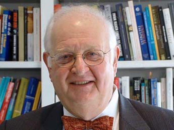 Нобеля по экономике получил англо-американский экономист за анализ бедности