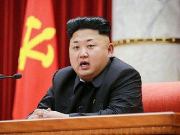 Ким Чен Ын уволил младшую сестру с поста своего имиджмейкера