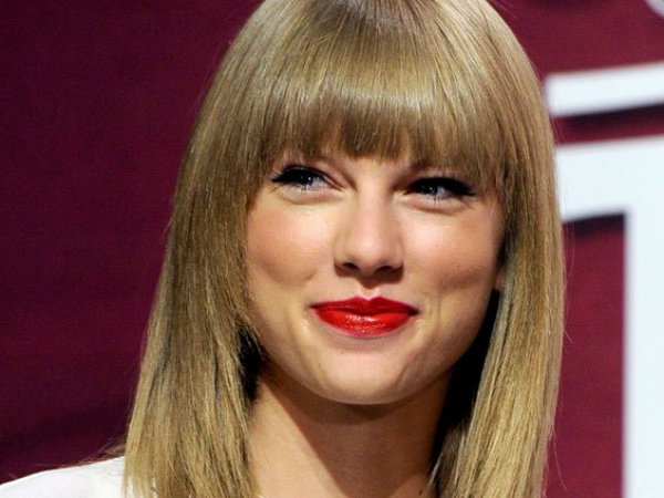 Самая дорогая певица в мире зарабатывает  млн