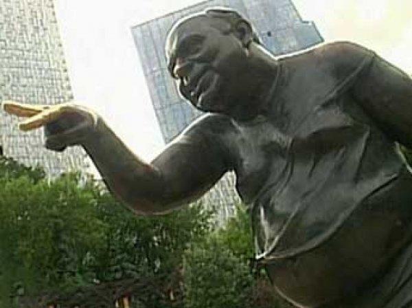 Арестованы все семь обвиняемых в краже памятнику доценту из «Джентльменов удачи»