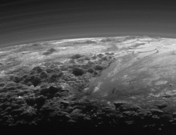 Названы 10 самых неожиданных открытий на Плутоне по версии ученых NASA