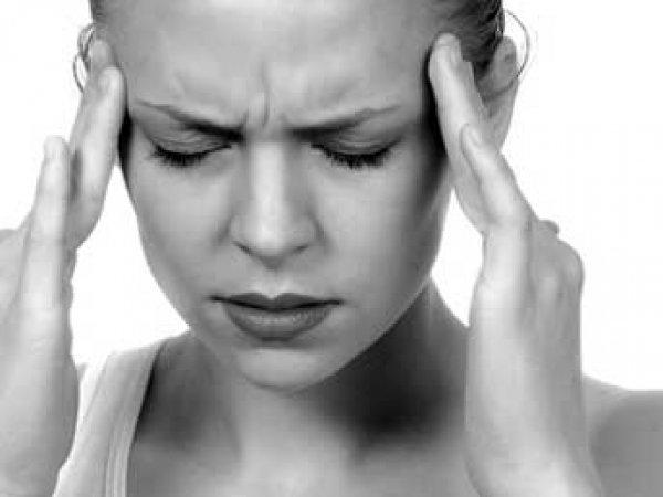 Ученые: частые головные боли разрушают мозг человека