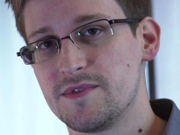 Сноуден рассказал о слежке за пользователями смартфонов при помощи смурфов