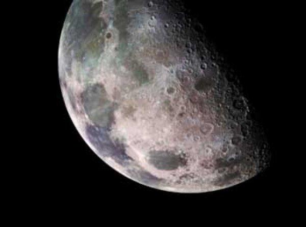 Новые снимки с темной стороны Луны поставили ученых в тупик