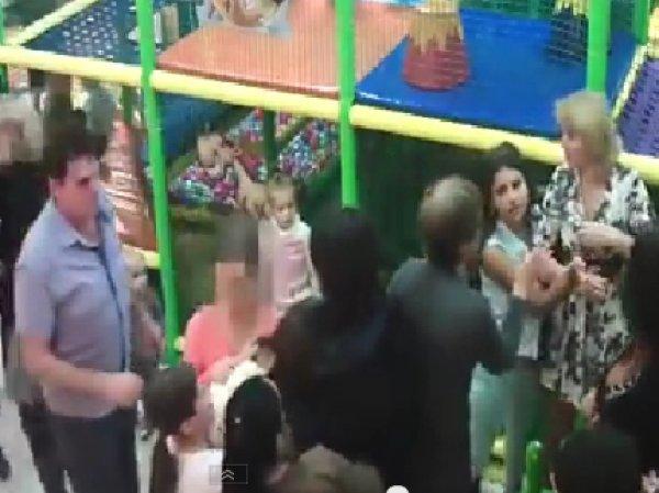 Видео ожесточённой драки родителей в детском кафе в Серпухове заинтересовало следователей
