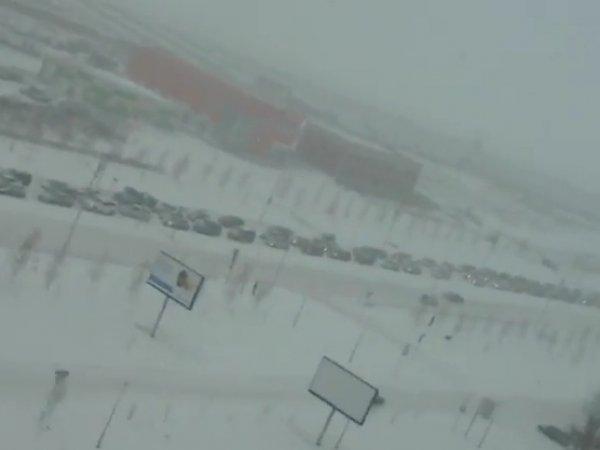 Снегопад в Омске 22 октября 2015 года спровоцировал 10-балльные пробки (видео)