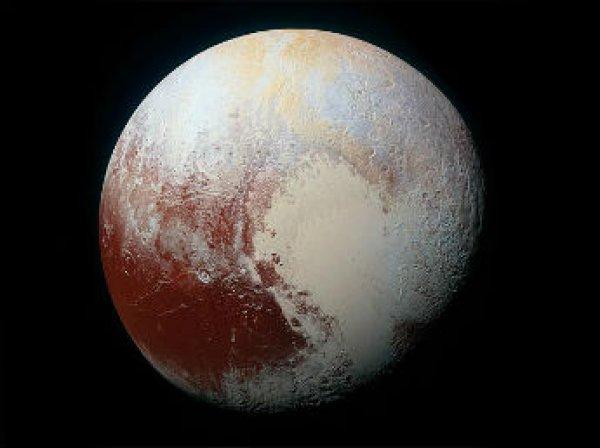 NASA опубликовало фото синего неба Плутона