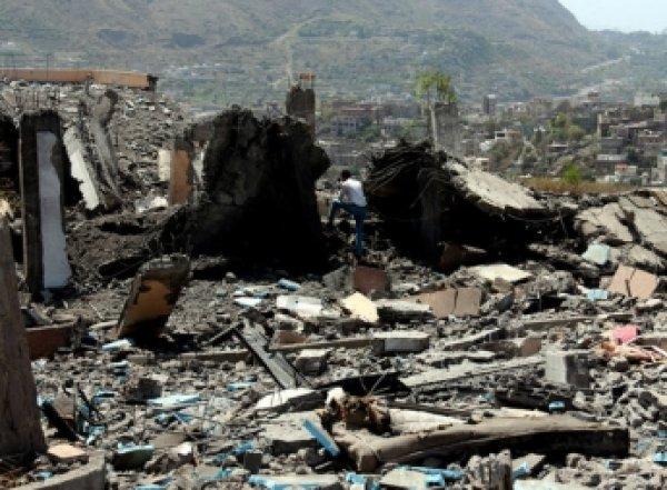 Арабская коалиция нанесла ошибочный авиаудар по союзникам в Йемене: погибли 30 человек