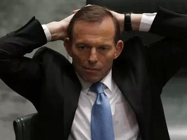 Премьер Австралии Тони Эбботт после отставки разгромил свой кабинет