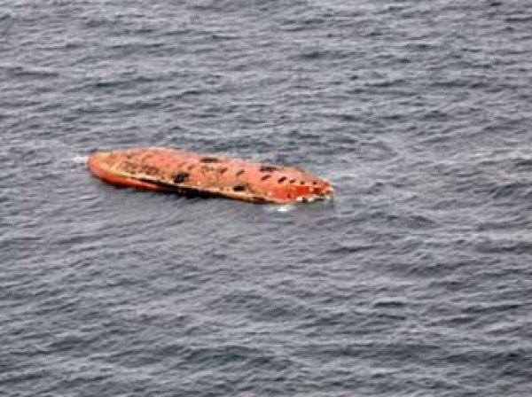 "У берегов Камчатки перевернулось судно ""Парамушир"": спастись удалось лишь одному моряку"