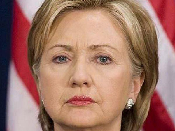 Хиллари Клинтон призналась, что она принадлежит к расе роботов